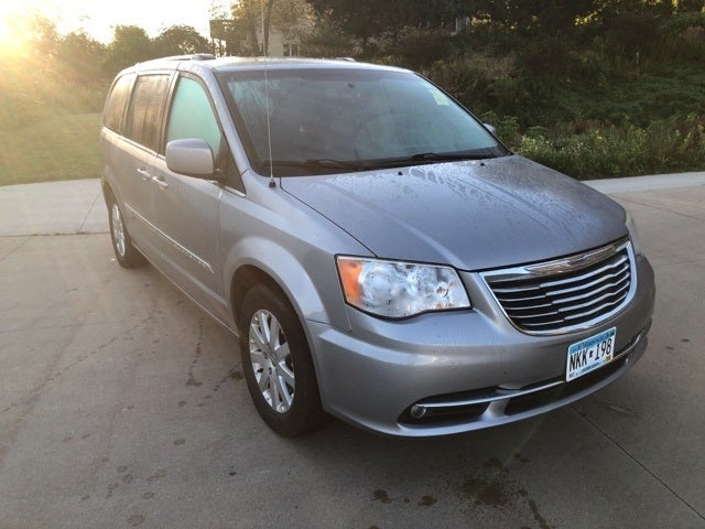 Used 2014 Chrysler Town & Country Touring with VIN 2C4RC1BG4ER402437 for sale in Winona, Minnesota